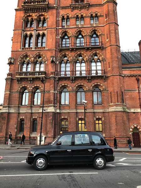 2018.12.03 - London. Taxi cab in front of St. Pancras station.