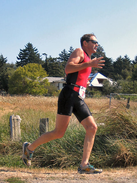 2005 Cadboro Bay Triathlon - The battle for 2nd in the most competitive race of the day
