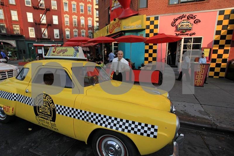 Caliente Cab Co. 6916.jpg