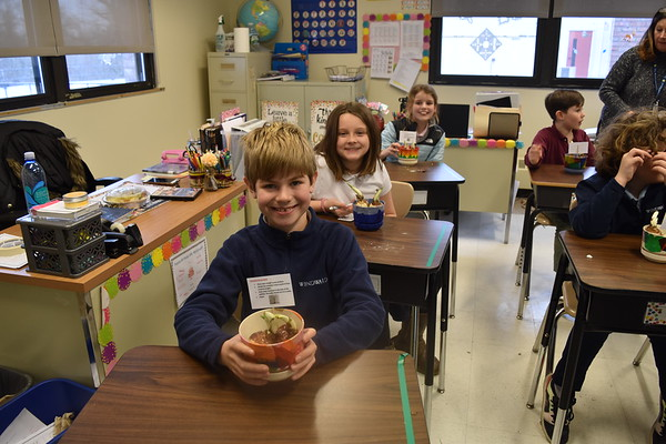 WLS Student Council Serves Local Senior Home - January 2020