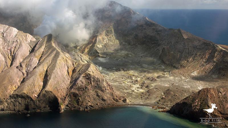 White Island 03.jpg