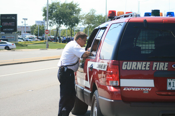 Gurnee Fire Department Multiple Stabbings 7225 West Grand Ave In Front Of Anthony Pontiac