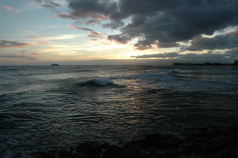 Hawaii - Ala Moana Beach Sunset-68.JPG