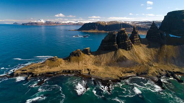 Strandir og Drangaskörð