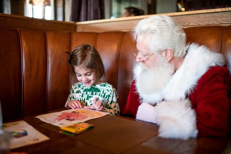Avalon_BreakfastWithSanta_2019_9698.jpg