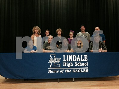 lindales-waldron-headed-to-letourneau