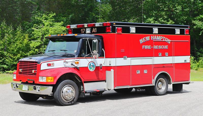 Ambulance 1 .  1994 International / Road Rescue