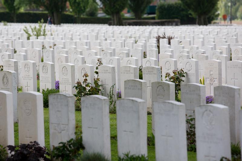 Ypres Tyne Cot Cemetery (3 of 123).jpg