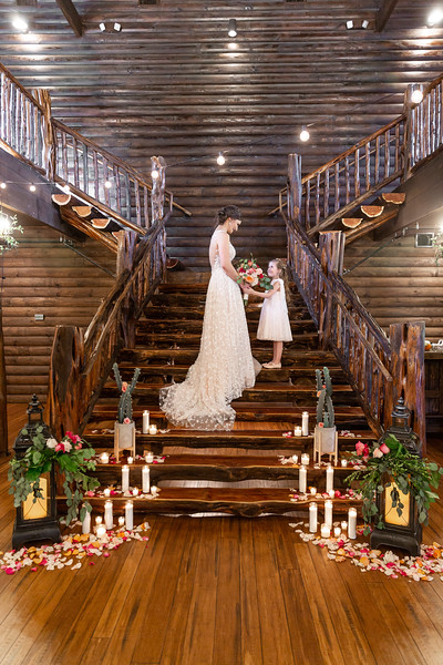 Daria_Ratliff_Photography_Styled_shoot_Perfect_Wedding_Guide_high_Res-95.jpg