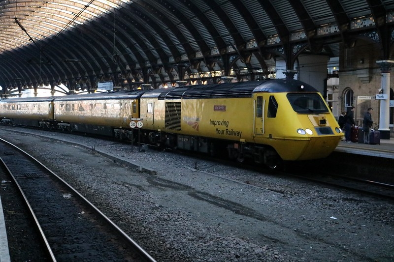43062_43014 1010/1Q07 Heaton-Cambridge via Kings Cross Test Train at York   30/12/19