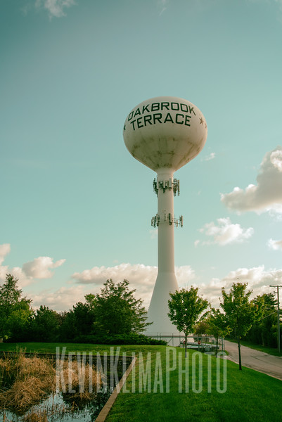 Oakbrook Terrace Water Tower