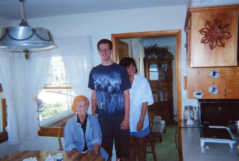 Vivian, AJ Teri  2002.jpeg