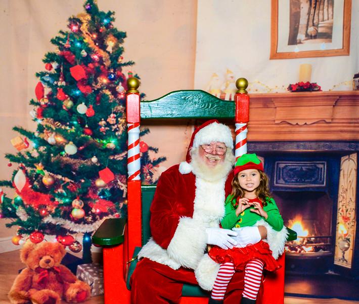Santa Elmore 2016-12198.jpg