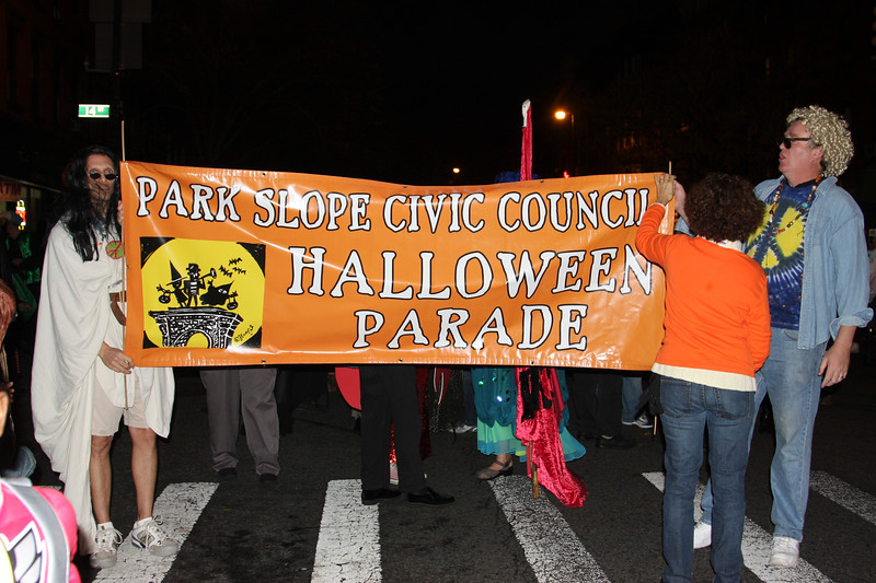 09.10.31 Halloween.PSCC. Paradef-10-10.jpg