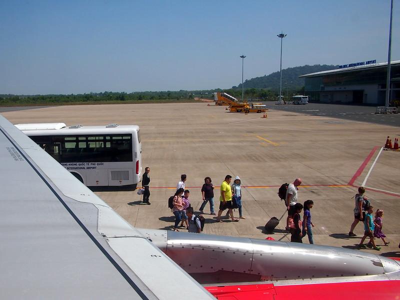 P2017389-tarmac-boarding.JPG