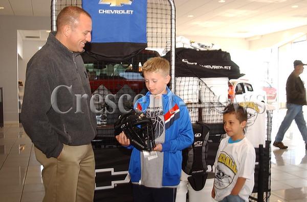 04-25-14 NEWS Estle Chevrolet Baseball Donation