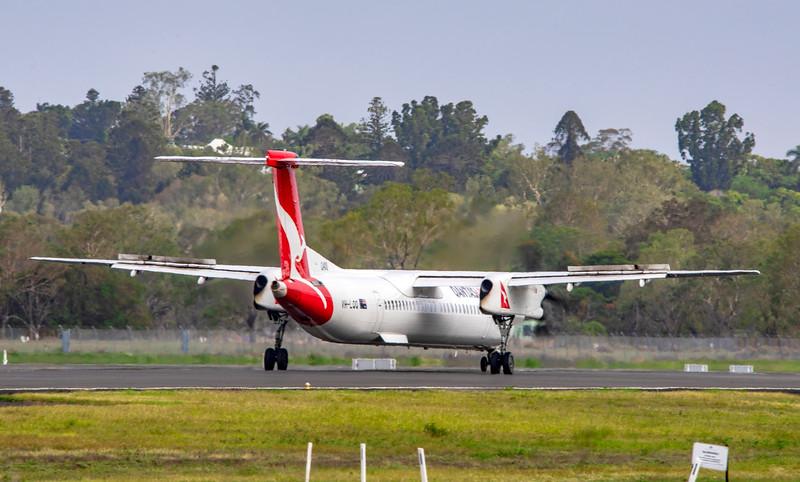 QANTAS De Havilland Dash-8 Q400 VH-LQQ landing at Rockhampton Airport