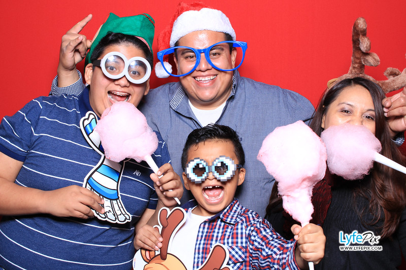 eastern-2018-holiday-party-sterling-virginia-photo-booth-1-3.jpg