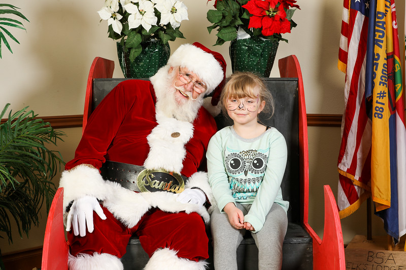 TBTP 2019 Photos with Santa-22.JPG