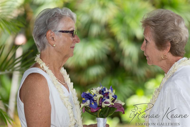 043__Hawaii_Destination_Wedding_Photographer_Ranae_Keane_www.EmotionGalleries.com__141018.jpg