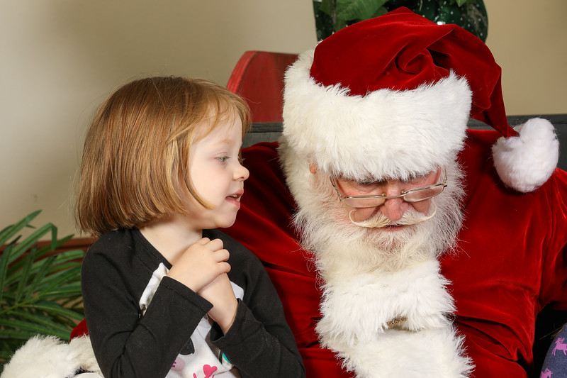 TBTP 2019 Photos with Santa-49.JPG