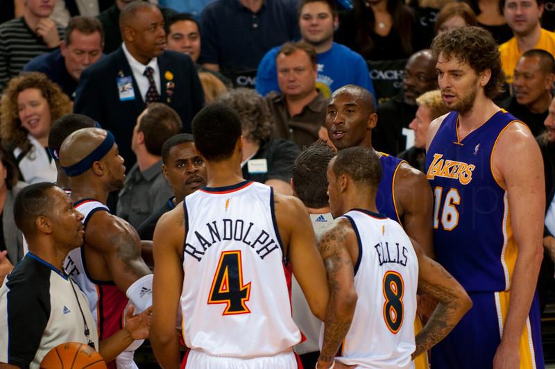 Kobe Bryant and Randolph trade words