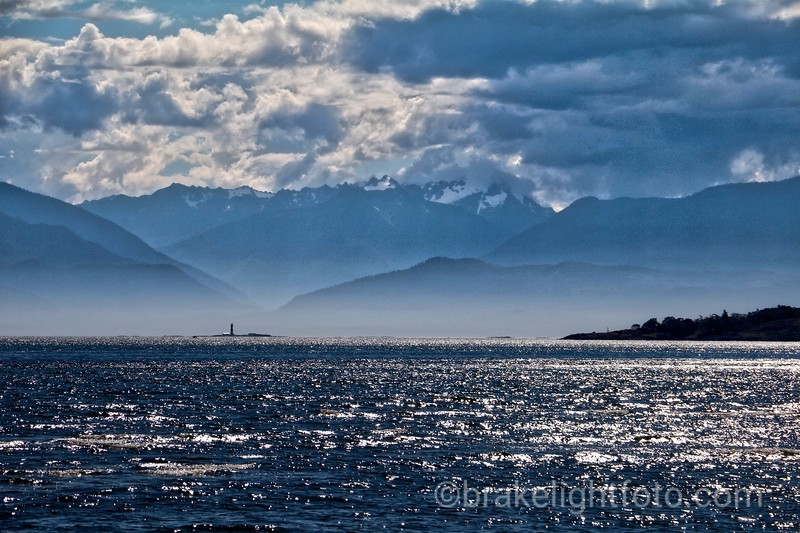Race Rocks & the Olympic Mountains