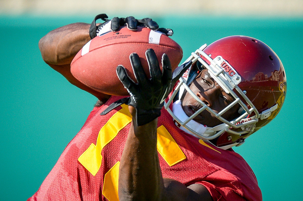 . USC�s Nelson Agholor pulls in a pass during spring practice at USC Tuesday, April 15, 2014.  (Photo by David Crane/Los Angeles Daily News.)