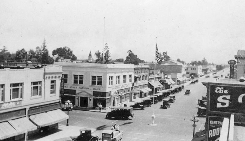 Anaheim-CenterStreet-at-LosAngelesStreet-1920.jpg