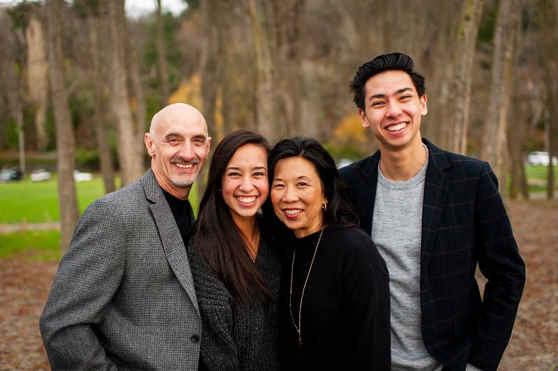 2018-1125 Reasoner Family Portraits - GMD1011.jpg
