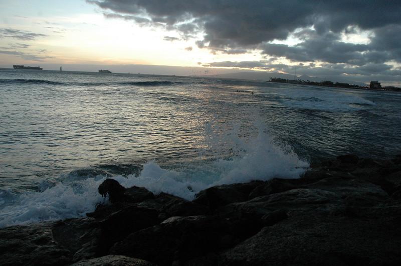 Hawaii - Ala Moana Beach Sunset-100.JPG