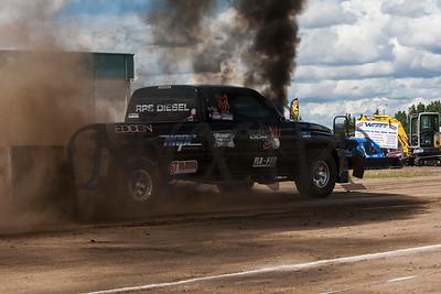 Lamont Truck Pull 2015