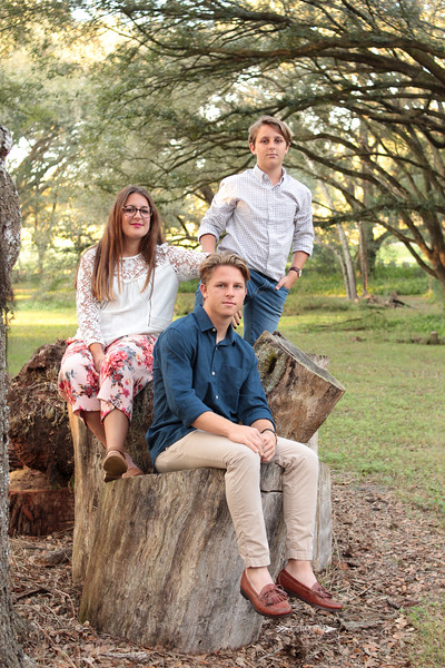 Boho-Neutral-Outdoor-Family-Session-Laural-Wood-Gardens-Dade-City-Florida-Yellow-Couch-Photography-By-Laina-Dade-City-Tampa-Area-Family-and-Lifestyle-Photographer-Laina-Stafford-6.jpg