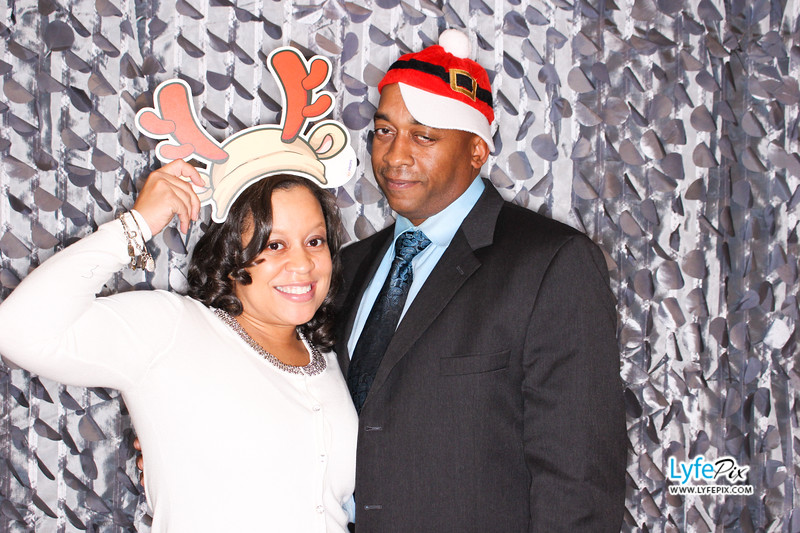 red-hawk-2017-holiday-party-beltsville-maryland-sheraton-photo-booth-0115.jpg