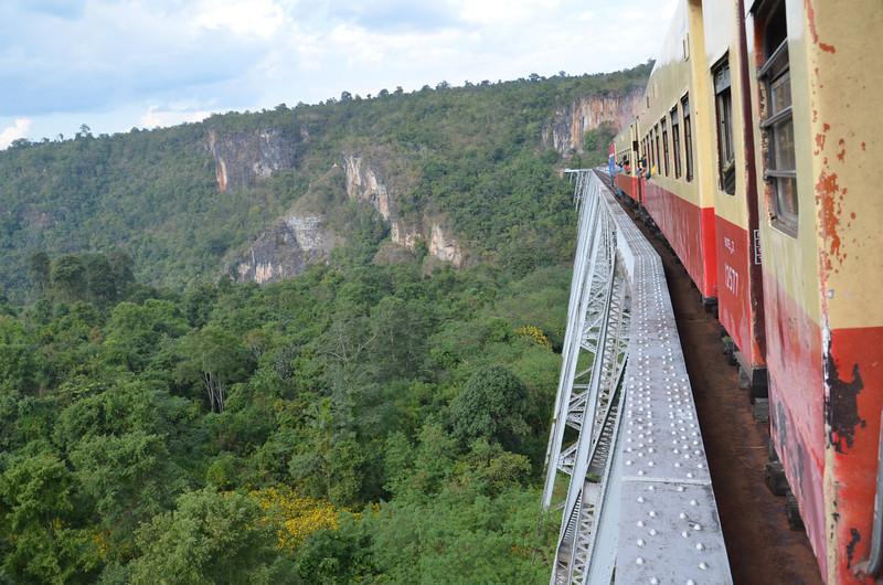 DSC_4736-crossing-the-gokteik-viaduct.JPG
