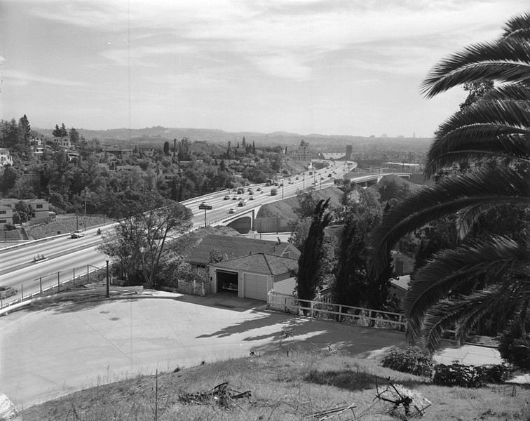 1955, Cahuenga Pass, Hollywood