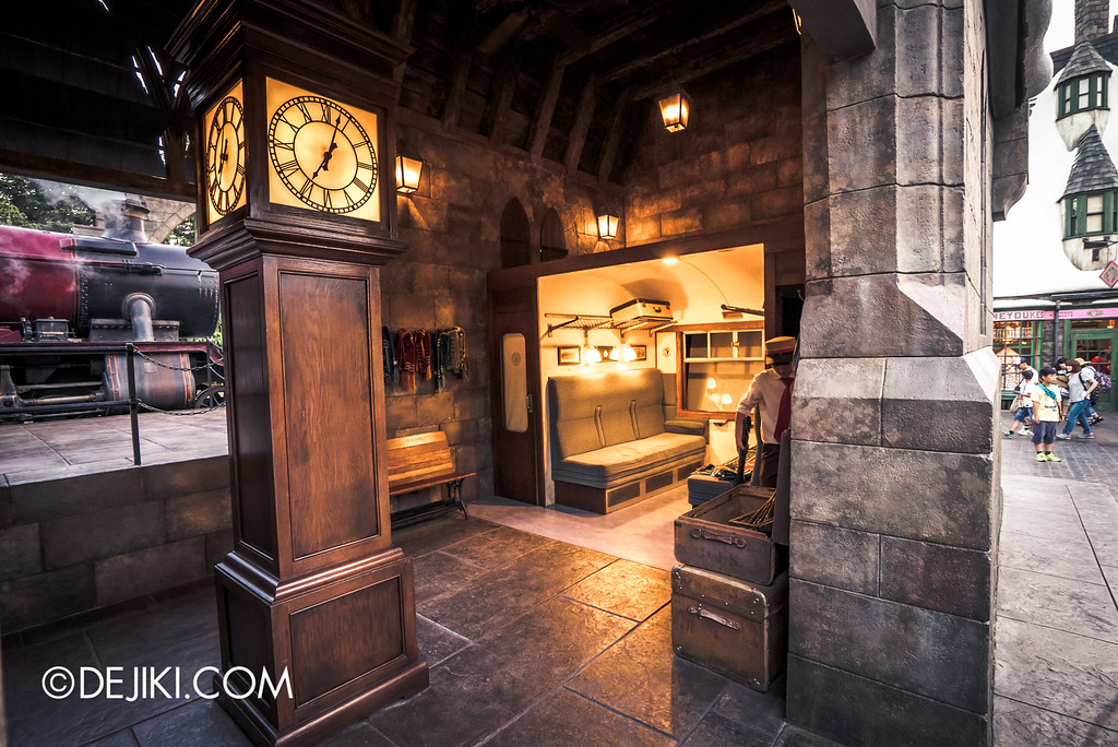 Universal Studios Japan - The Wizarding World of Harry Potter - Hogwarts Cabin at Hogsmeade Station