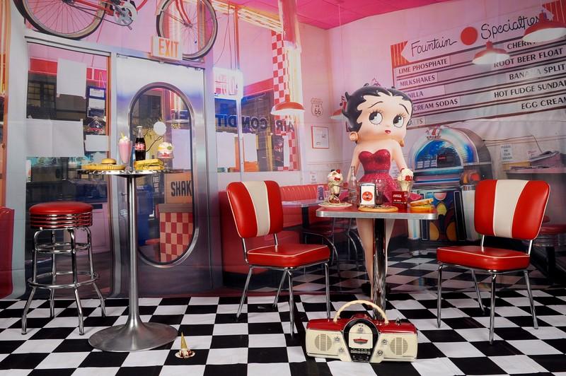 1950s diner set.jpg