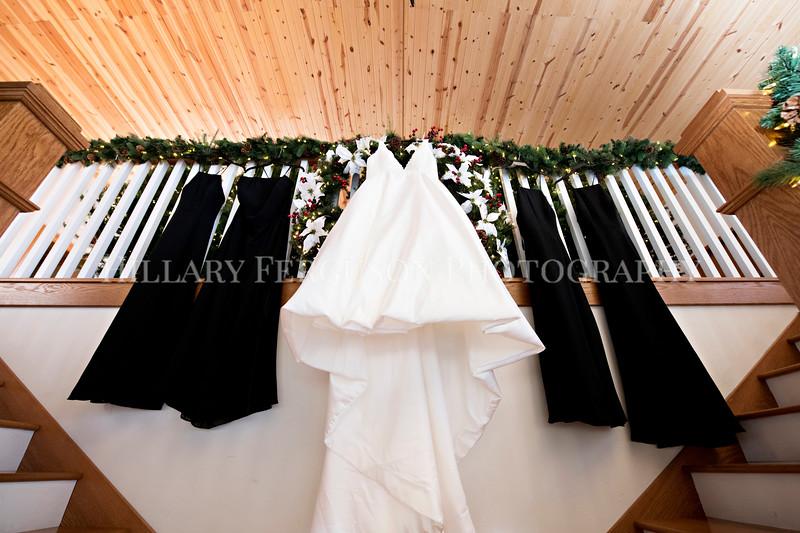 Hillary_Ferguson_Photography_Melinda+Derek_Getting_Ready153.jpg