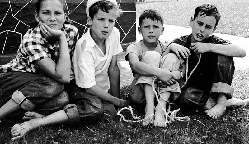 Niki Trumbo, Chris Trumbo, Michael Butler, Joe (or Jim?) Lardner (Cleo)