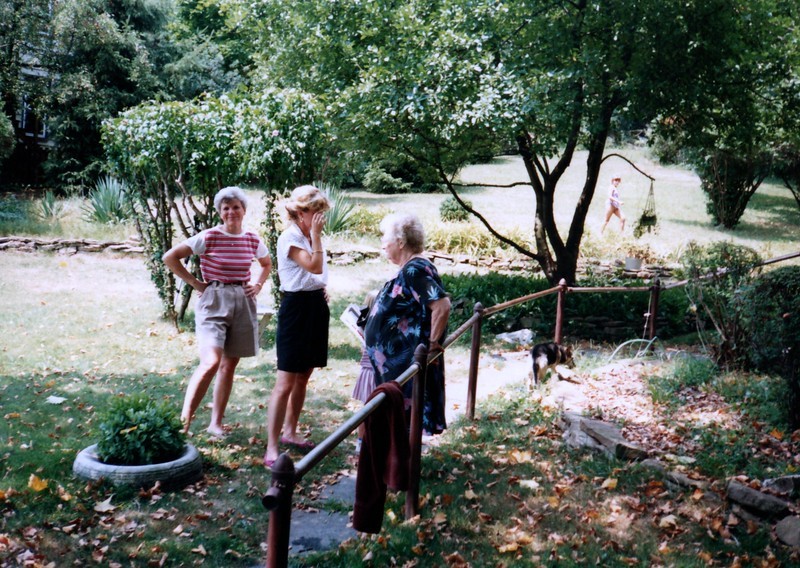 1991_Summer_Goodson's_and_Granny_0020_a.jpg