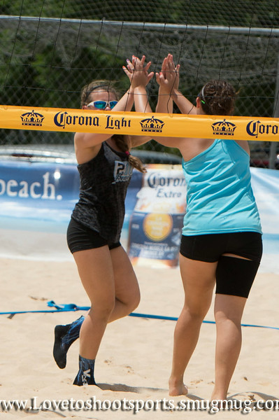 Vanessa & Mia Sand volleyball 2014