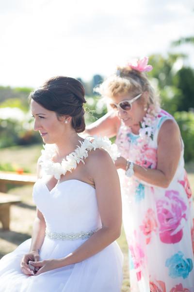 gillin beach kauai wedding-134.jpg