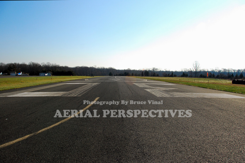 "Somerset Airport -George Walker Field -(SMQ) ""On the Numbers"" on Three Zero"