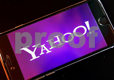 soon-you-can-watch-the-nfl-free-on-your-phone-on-yahoo