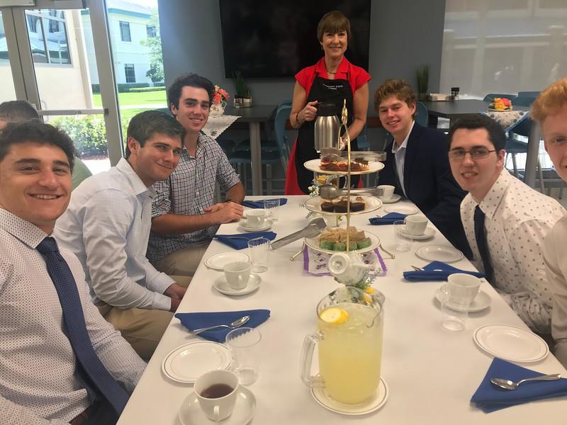 Headmasters Tea With Seniors (39).jpg