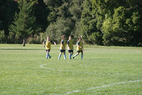 20091031_SoccerGirls