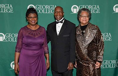 (Left to right) Jacquelynn Waller Nelson, Dr. Thelmon Larkin and Joyce Hill Vasser