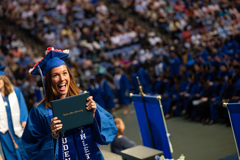May 12, 2018 commencement -2068.jpg