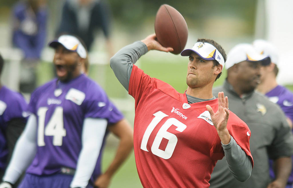 . Quarterback Matt Cassel throws during Friday morning\'s workout. (Pioneer Press: Ben Garvin)